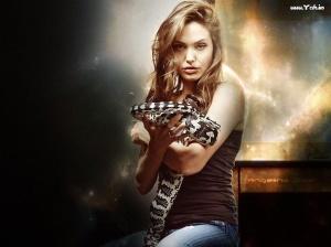 angelina_hot_holding_snake_